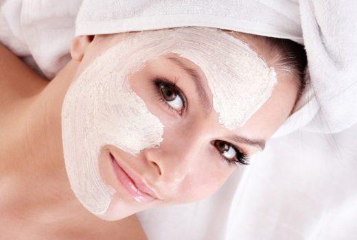 تقویت پوست صورت با ماسک شیرخشک